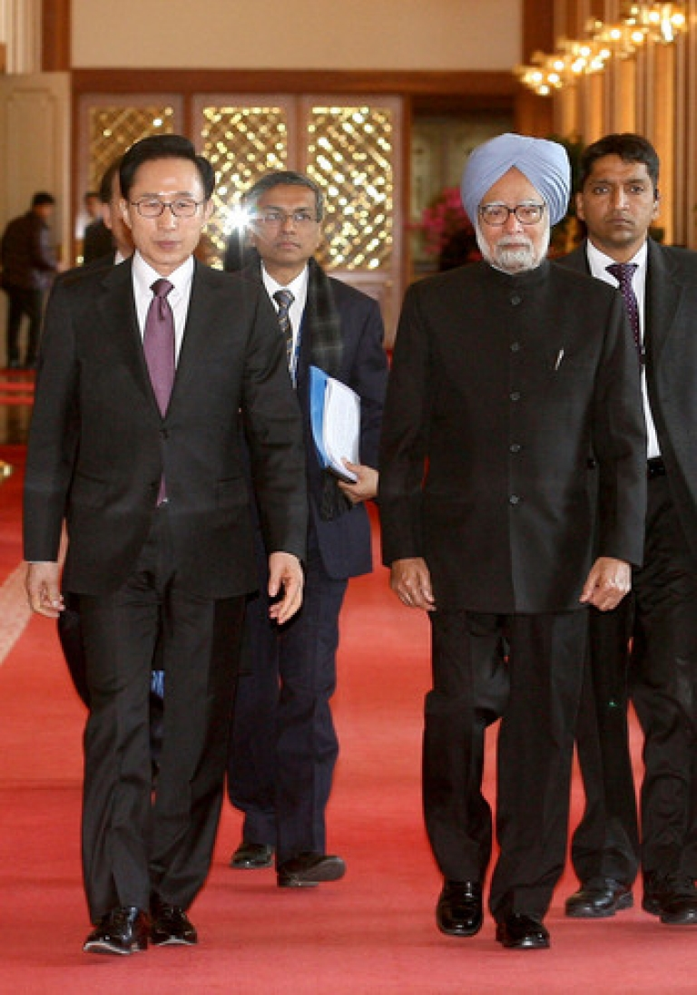 <p>India's Prime Minister Manmohan Singh, shown here walking with his South Korean counterpart in Seoul, will address India's massive trade deficit with China's Hu Jintao this week. A mutually satisfying solution will be crucial to making the BRICS grouping a viable negotiating force.</p>
