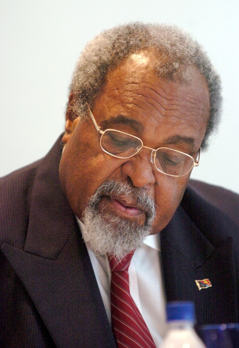 <p>Sir Michael Somare, Prime Minister of Papua New Guinea, was replaced by Phil O'Neill when he left Papua New Guinea for five months. He is trying to regain his post; the nation now has two prime ministers.</p>