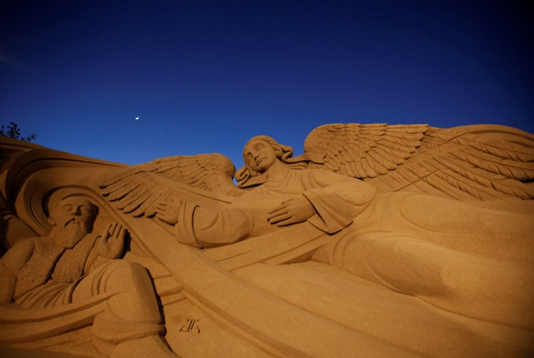 <p>A Christmas nativity scene made from sand is displayed at the international beach resort of Las Canteras, in Las Palmas de Gran Canaria on the Spanish island of Gran Canaria on Dec. 9, 2010. Artist from nine countries recreated the scenes depicting the birth of Jesus of Nazareth.</p>