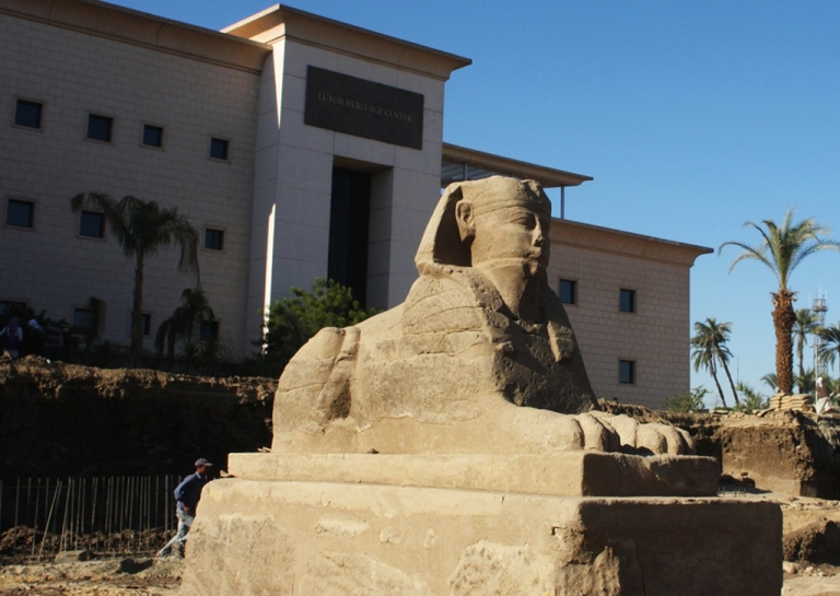 <p>A stolen Egyptian sphinx much like this one was found in Rome.</p>