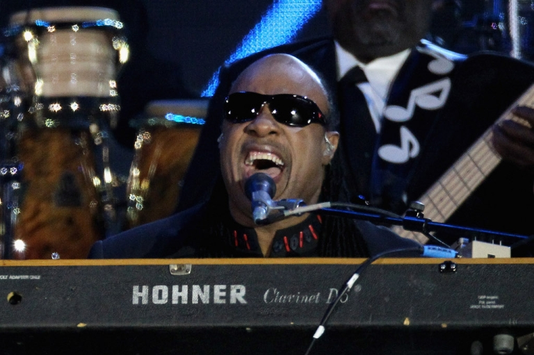<p>Singer Stevie Wonder performs on stage during the Diamond Jubilee concert at Buckingham Palace on June 4, 2012 in London, England.</p>