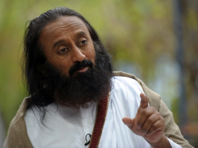 <p>Indian spiritual guru and Art of Living Foundation leader Sri Sri Ravi Shankar advocated privatizing India's government-run schools this week, claiming that their poor quality is responsible for the country's simmering Maoist insurrection.</p>