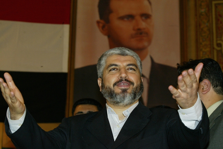 <p>Hamas' exiled supreme political leader, Khaled Meshaal, addresses students at Damascus University, 03 May 2006.</p>