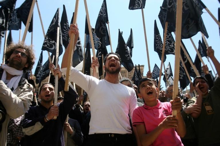 <p>Lebanese protest Syrian President Bashar al-Assad in Tripoli, Lebanon.</p>