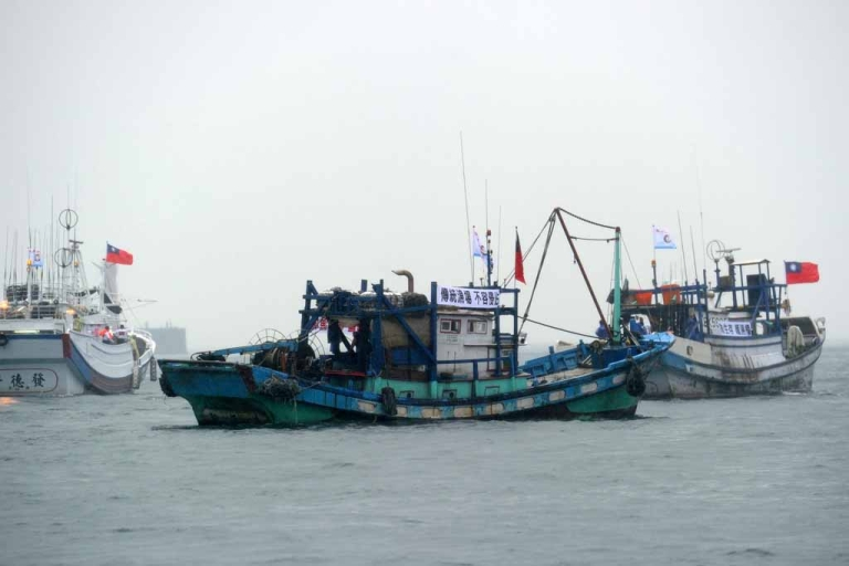 <p>Taiwanese fishing boats head to the disputed East China Sea islands, known as Senkaku in Japanese and Diaoyu Islands in Chinese, on Sept. 24, 2012.</p>