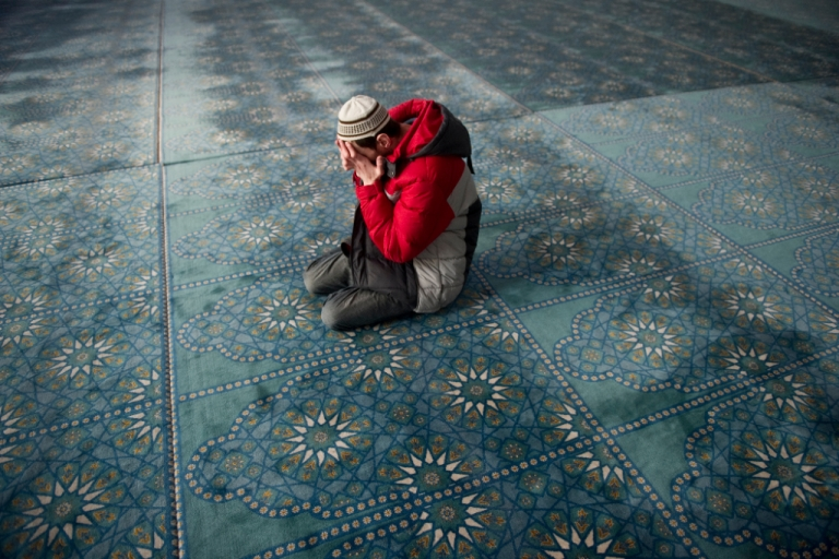 <p>A Russian Muslim prays in the central Qol Sharif mosque in Kazan, Tatarstan, on 15 April 2011.</p>