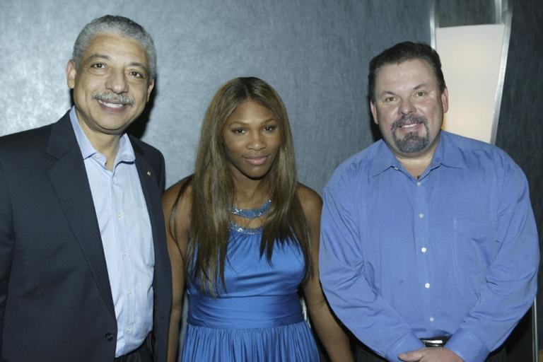 <p>LOS ANGELES:  (L-R) Bob Goodwin, tennis player Serena Williams and painter Thomas Kinkade pose at the