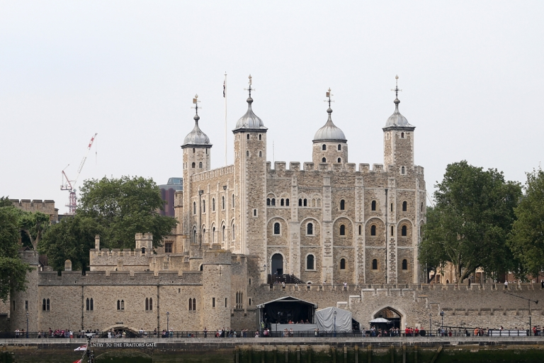<p>The Tower of London's locks were changed after a thief stole the keys to the building that houses the Crown Jewels.</p>