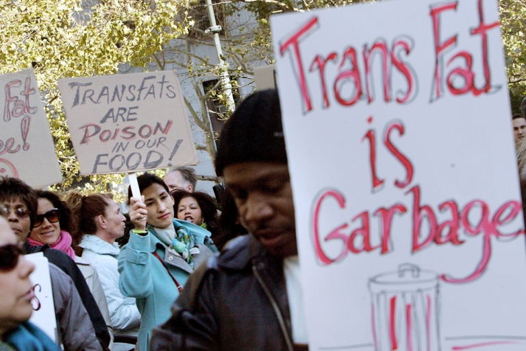 <p>A new study by New York City Department of Health and Mental Hygiene found that that diners consumed 2.4 fewer grams of trans fat per lunch after the ban on trans fat went into effect in 2008.</p>