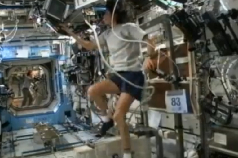 <p>Sunita Williams becomes the first astronaut to complete a triathlon in space.</p>