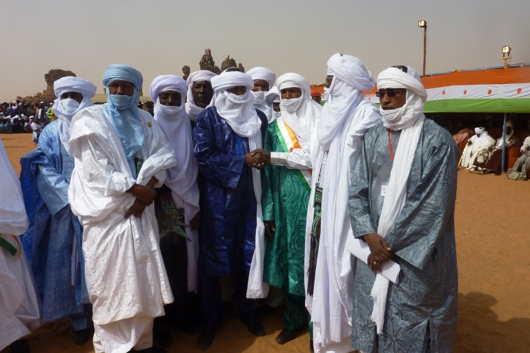 <p>Ex-leaders of the 2007 Tuareg rebellion pose for a photograph at the