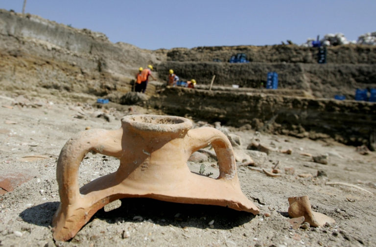 <p>Archaeologists catalogue finds from a massive archaeological dig in Istanbul, 20 June 2006. Turkish archaeologists have discovered an ancient Byzantine port in an area that was planned to be an underground railway station.</p>