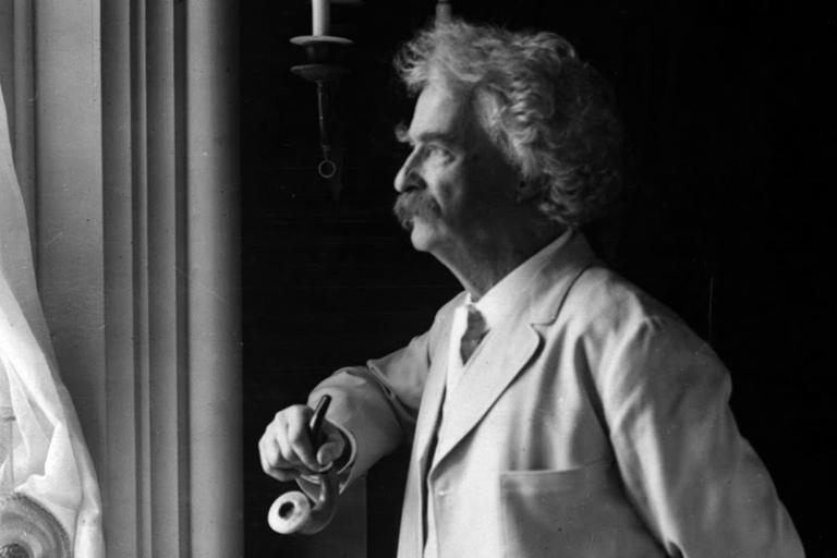 <p>Mark Twain in 1907.