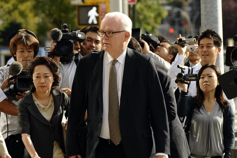 <p>Ambassador Stephen Bosworth, the Obama administration's top envoy on North Korean affairs, arrives at the US Mission to the United Nations in New York, to meet with North Korean Vice Foreign Minister Kim Kye Gwan.</p>