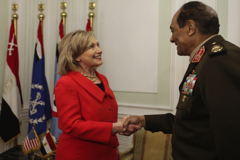 <p>US Secretary of State Hillary Clinton is greeted by Egypt's defacto leader, Field Marshal Hussein Tantawi in Cairo last year. A report today says the US is ready to resume military aid to Egypt.</p>