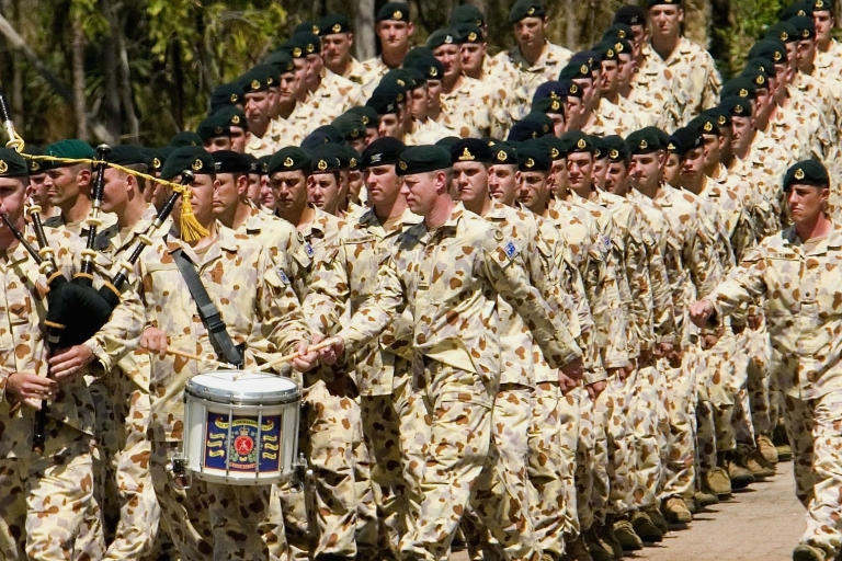 <p>Australian soldiers deployed to Iraq enter the Robertson Barracks in Darwin, Australia, during a marching out parade May 10, 2007.</p>