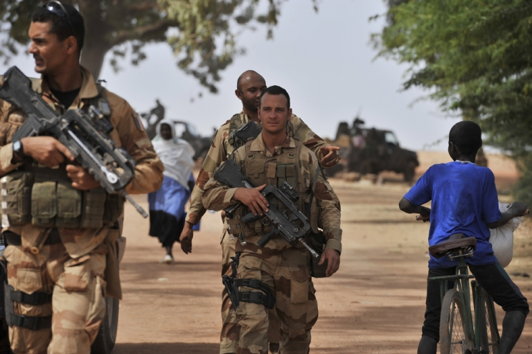 <p>A French soldier deployed in Diabaly patrol on January 22, 2013. The EU executive Tuesday announced 20 million euros of extra humanitarian aid to help tens of thousands of Malians fleeing fighting in the nation's north and centre, its second such donation in as many months.</p>