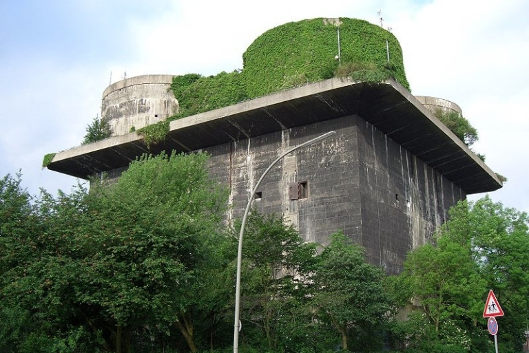 <p>City planners want latte-sipping visitors to Wilhelmsburg's Nazi bunker to enjoy views of the city's skyline.</p>