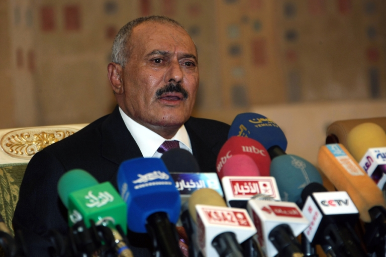 <p>Yemeni President Ali Abdullah Saleh speaks on December 24, 2011, in the capital Sanaa. One of his aides announced today that he would no longer be traveling to the US for medical treatment.</p>